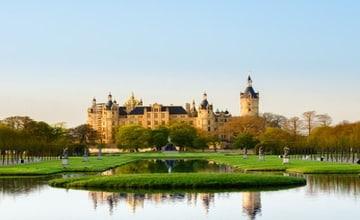 Schwerin Schloss_Fotolia_52700943.jpg