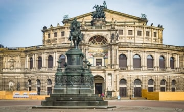 Semperoper_Fotolia_222854210_XS.jpg
