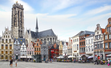 St. Rumbold's Cathedral at Grote Markt. Mechelen_Fotolia_64830889_XS.jpg