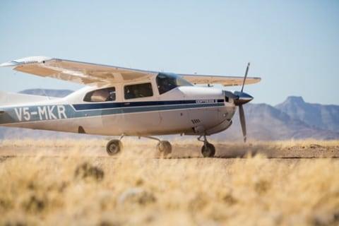 Cessna-210.jpg