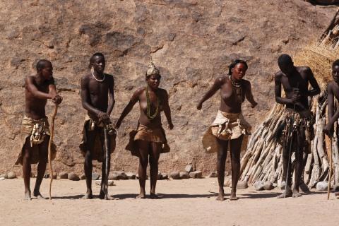 Das Volk der Damara in Namibia