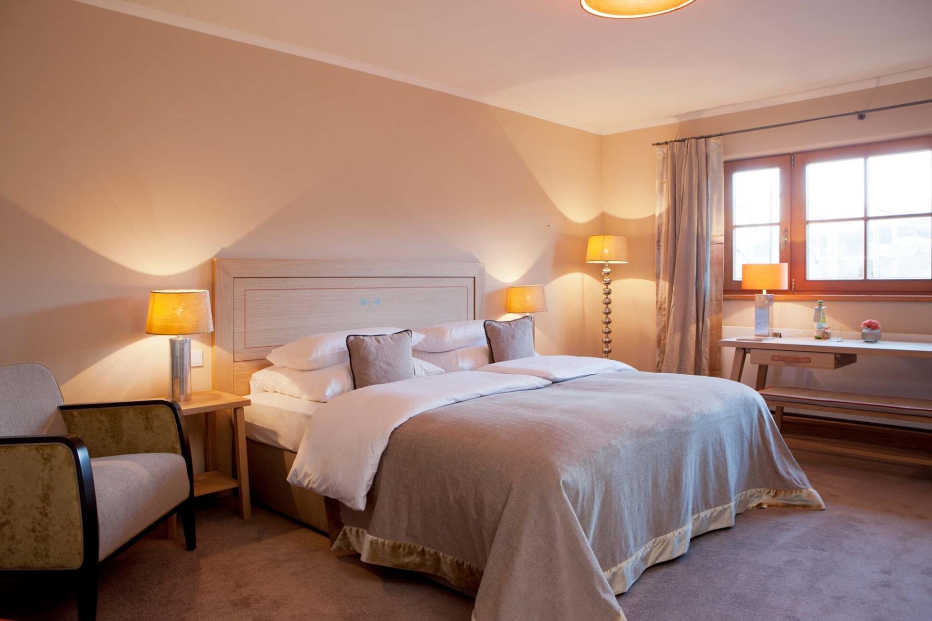 Schlafzimmer der Bachmair Weissach Suite