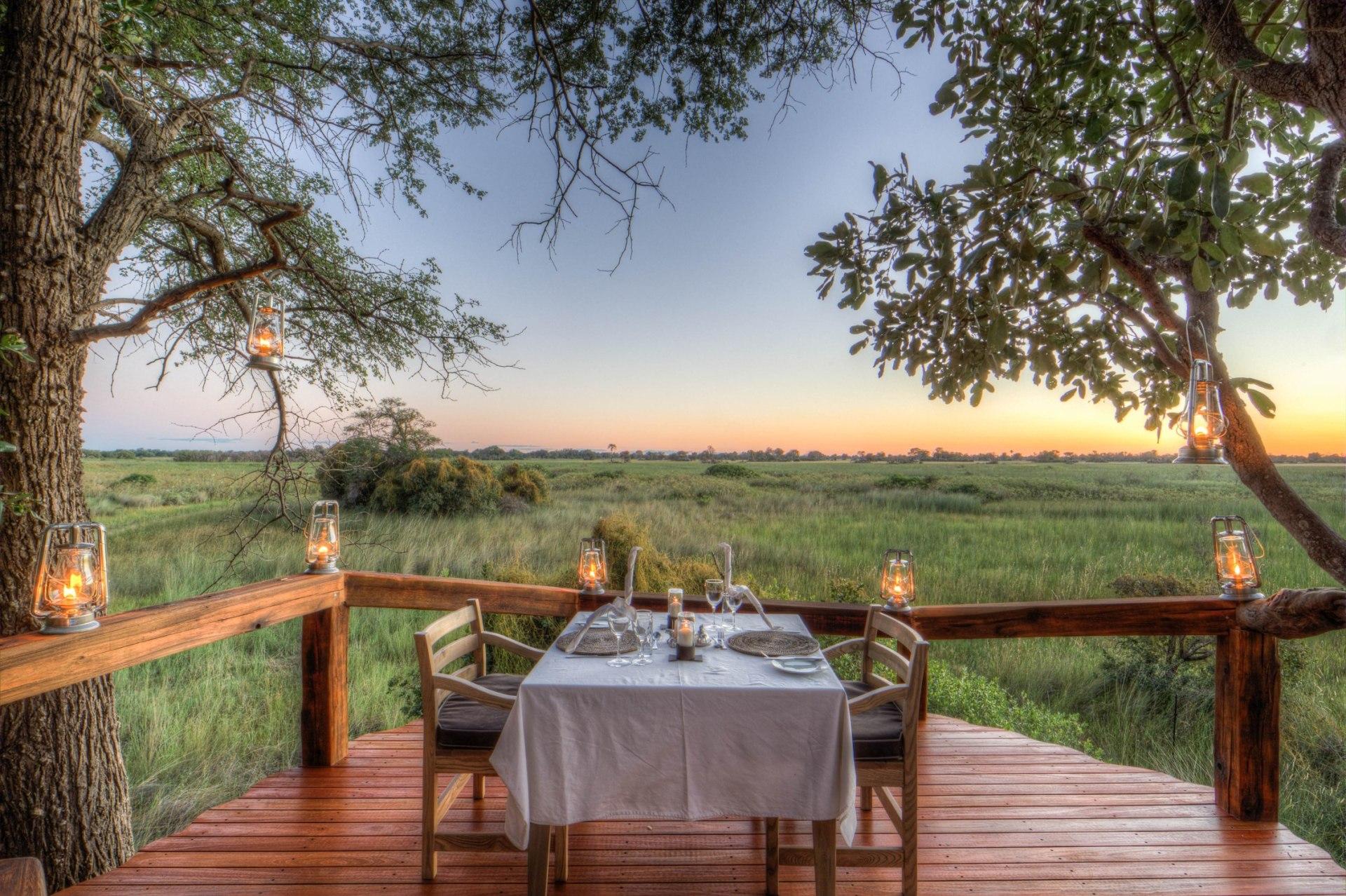 Romantisches Abendessen zu Zweit im Camp Okavango