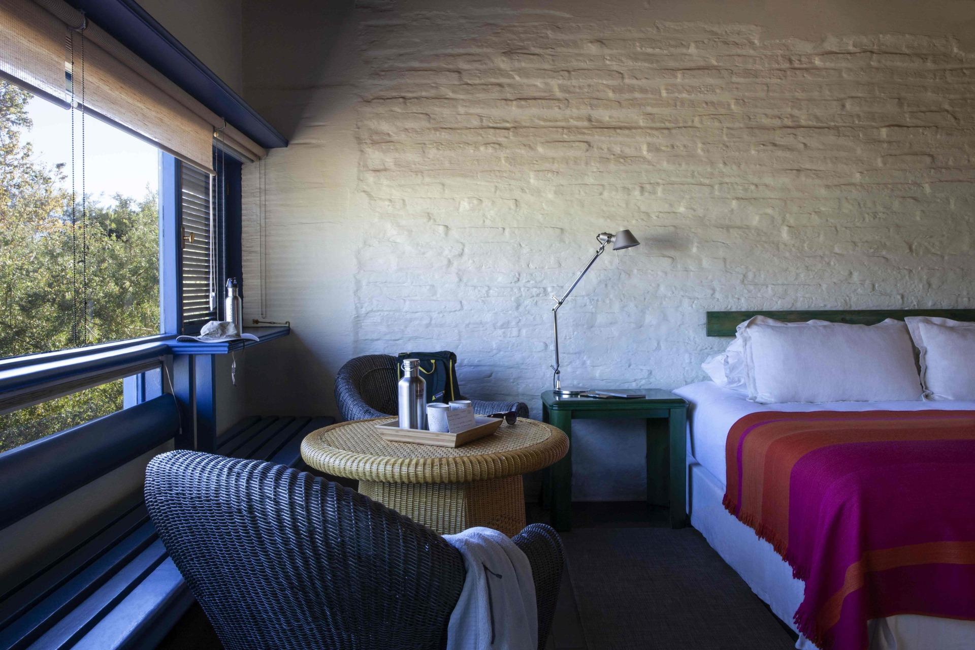 Innenansicht des Schlafbereichs des Yali Zimmers des Explora Atacama