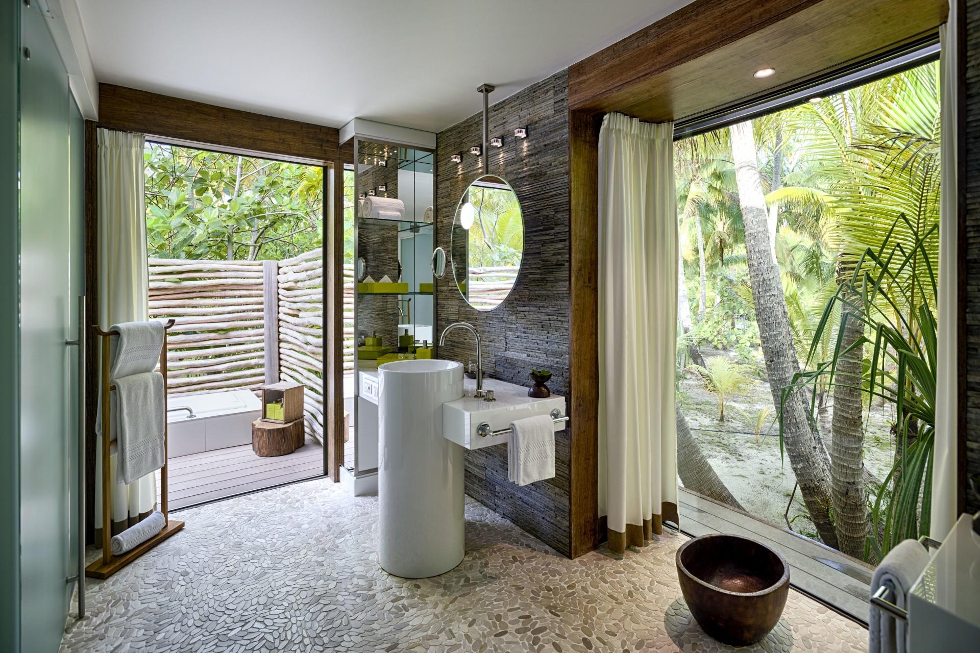 Blick vom Badezimmer im The Brando