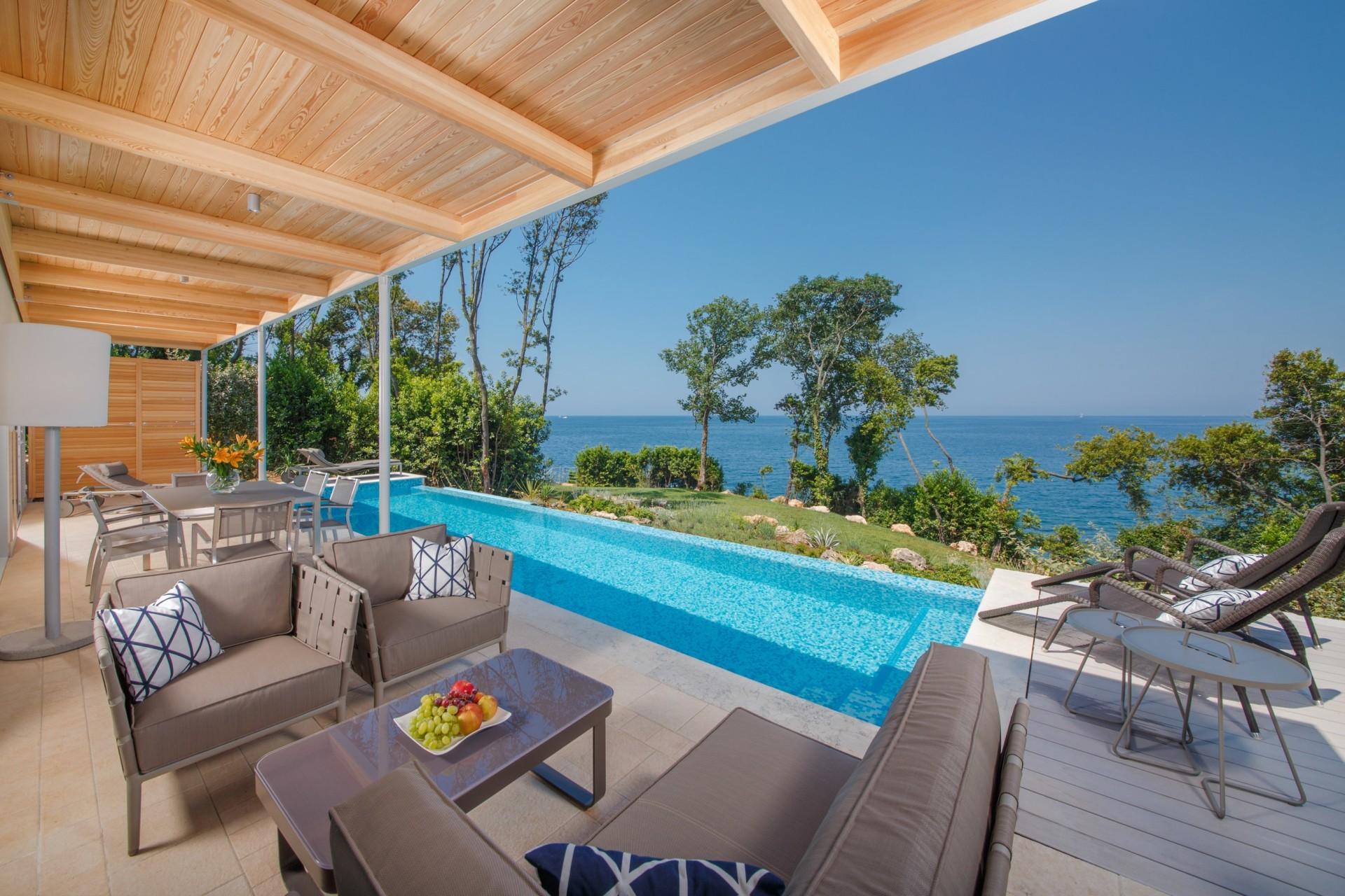 Terrasse und Pool der Presidential Villa