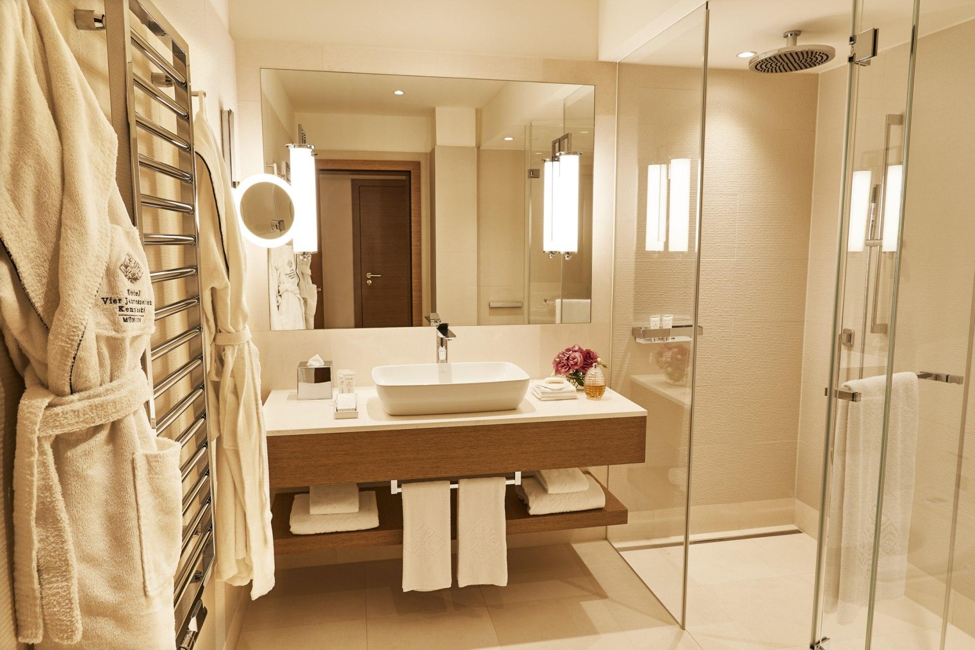 Badezimmer des Grand Deluxe Zimmer