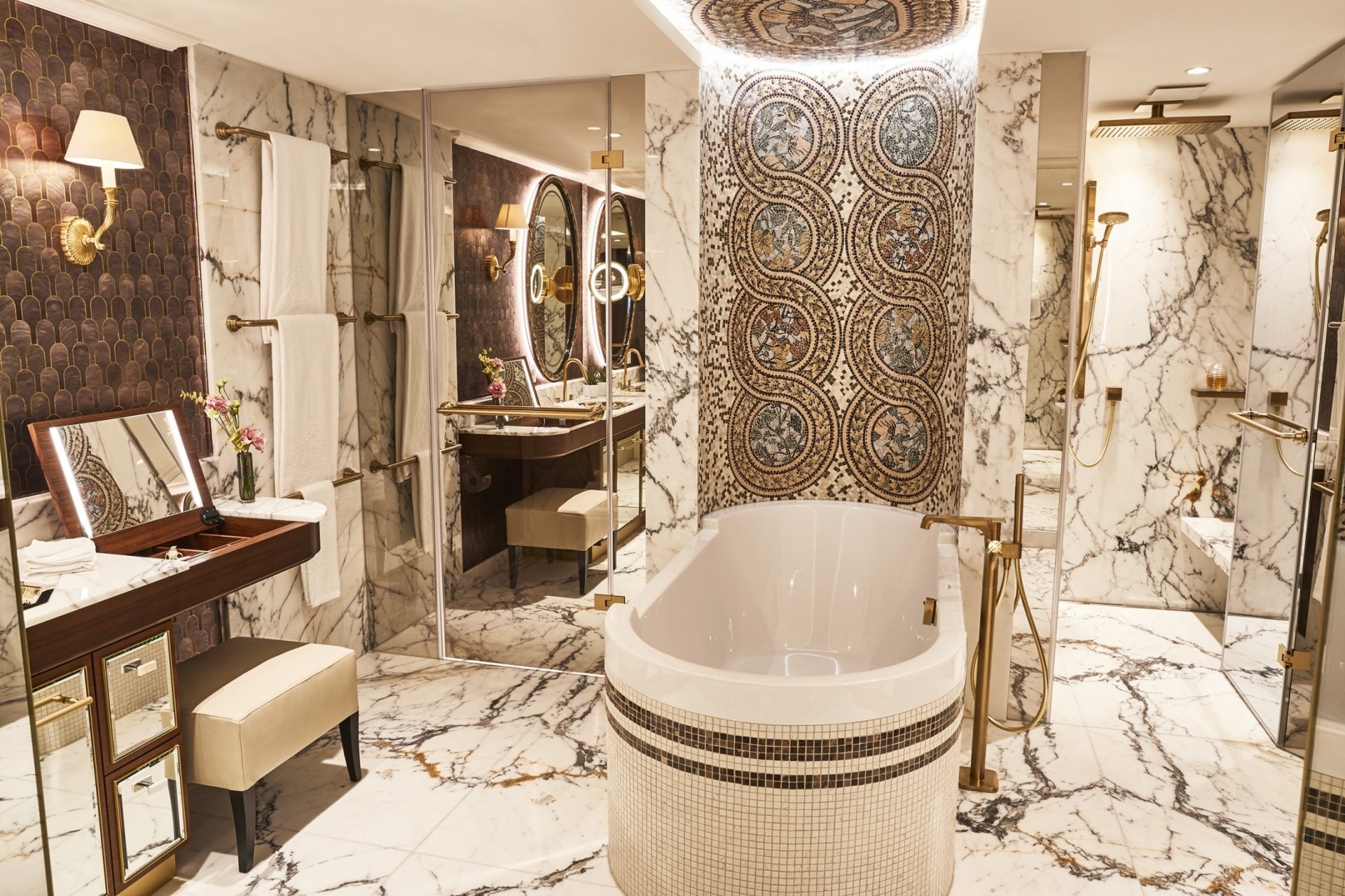 Badezimmer der Maximilian Suite