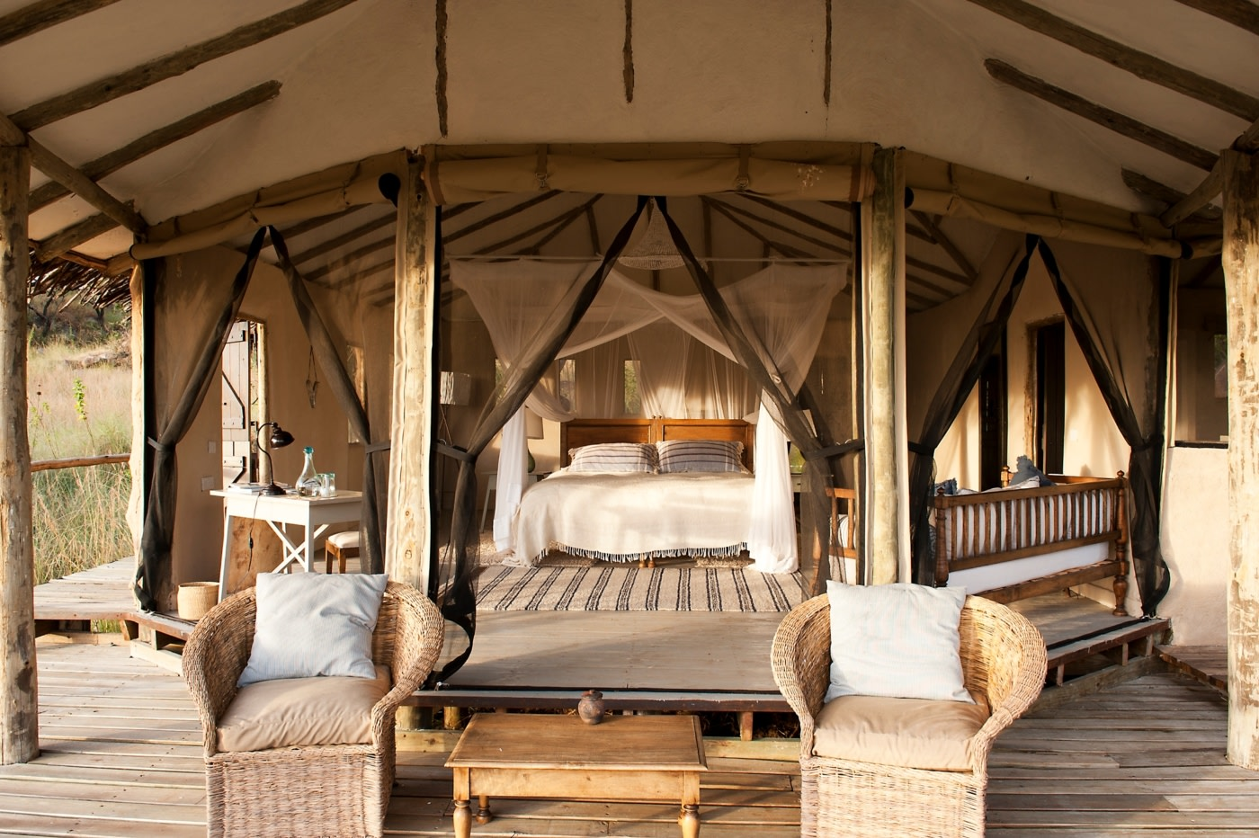 Cottage mit Doppelbett im Lamai Serengeti