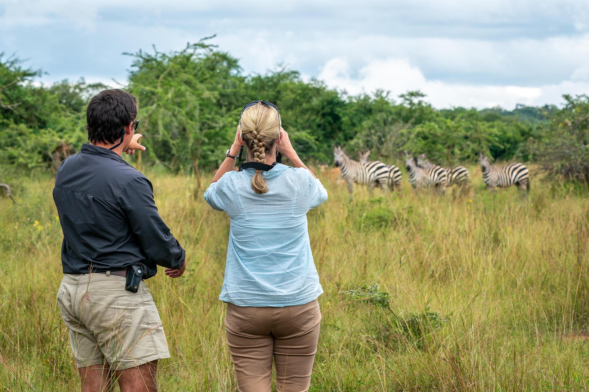Safari zu Fuss im Magashi Camp