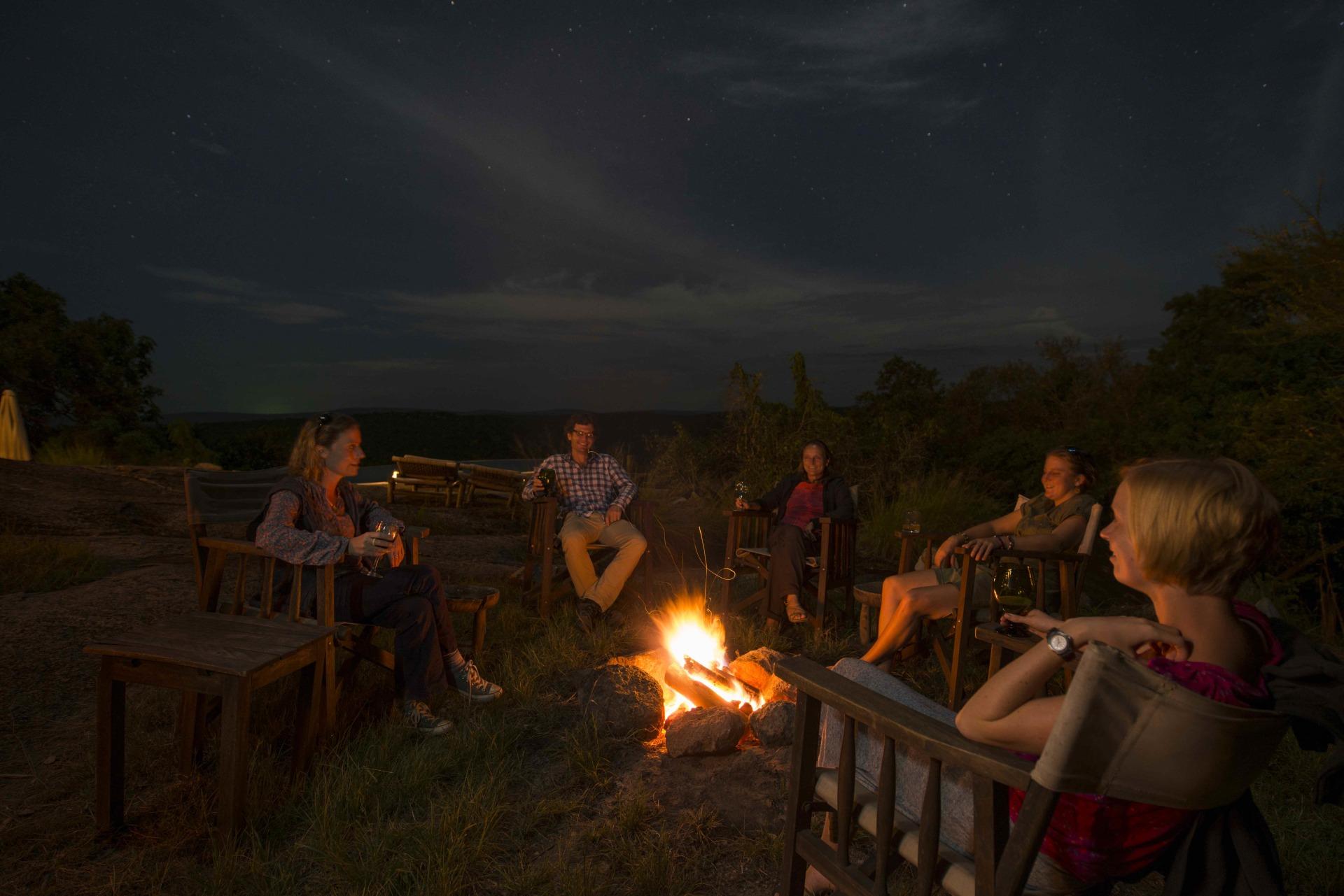 Lagerfeuer in der Mihingo Lodge