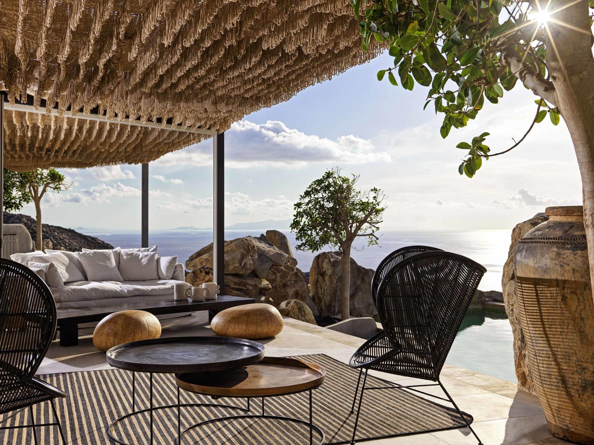 Terrasse des Honeymoon Retreats mit Aussicht aufs Meer