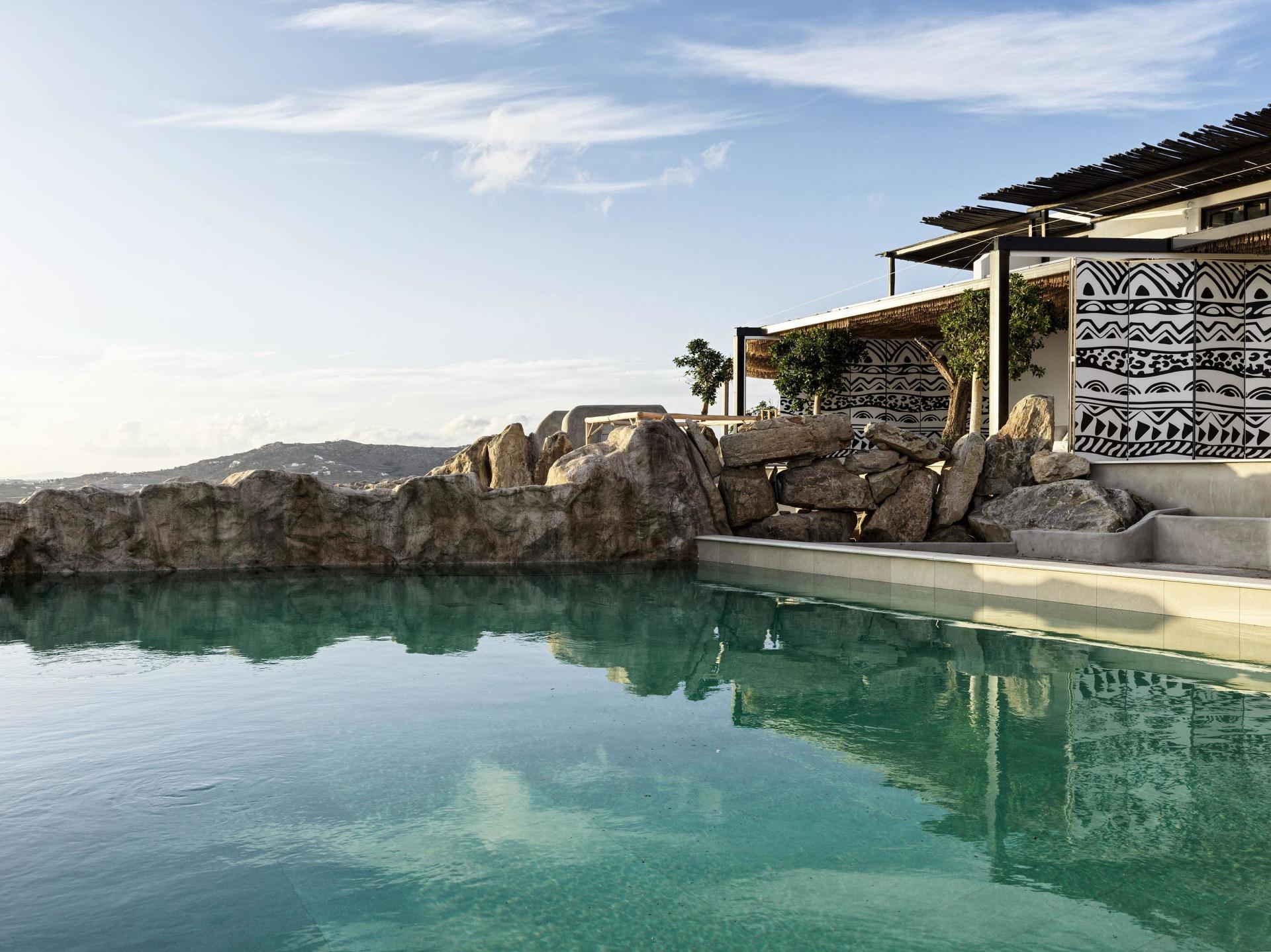 Pool auf der Terrasse der Two Bedroom Villa with Private Pool
