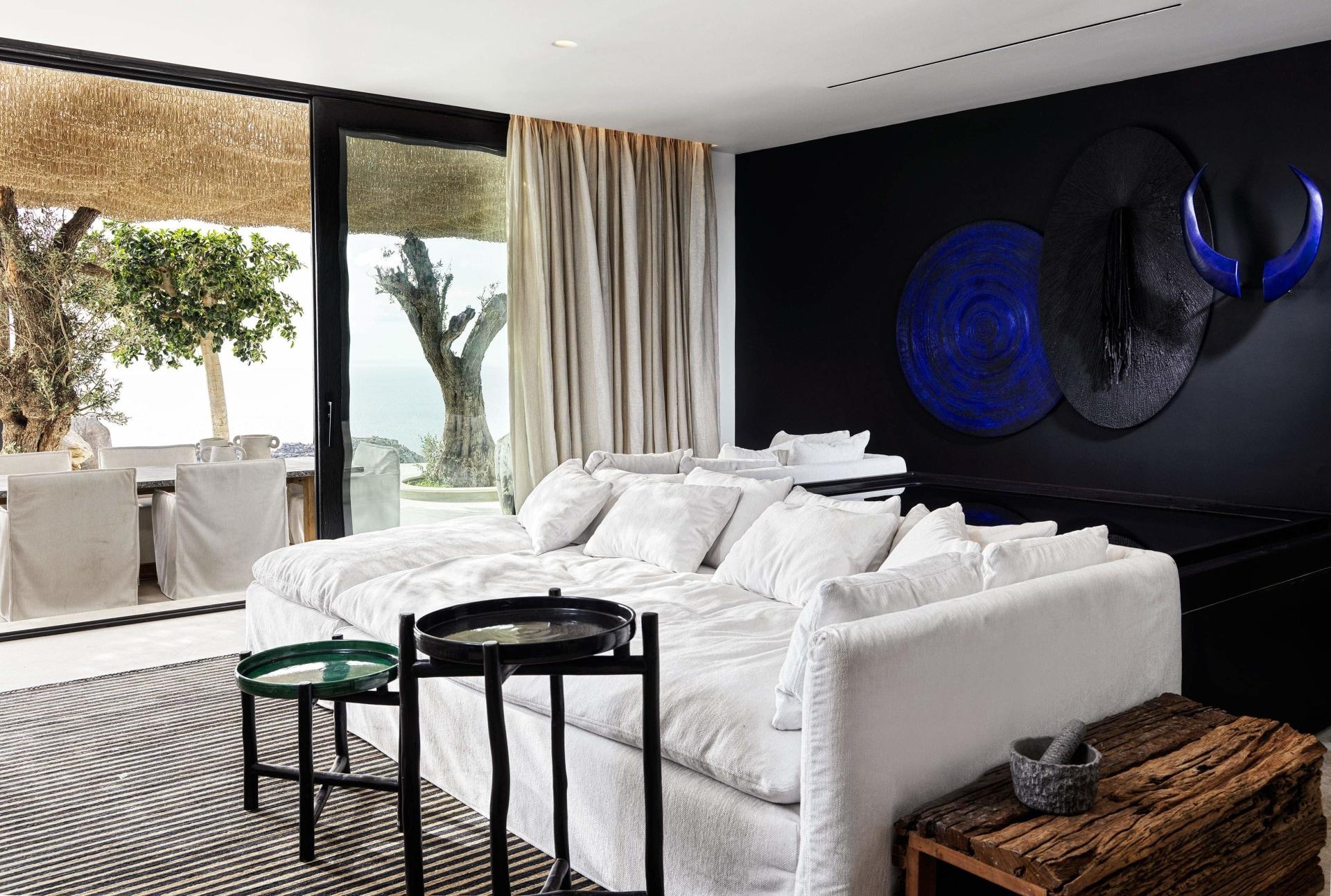 Wohnbereich der One Bedroom Villa mit Pool