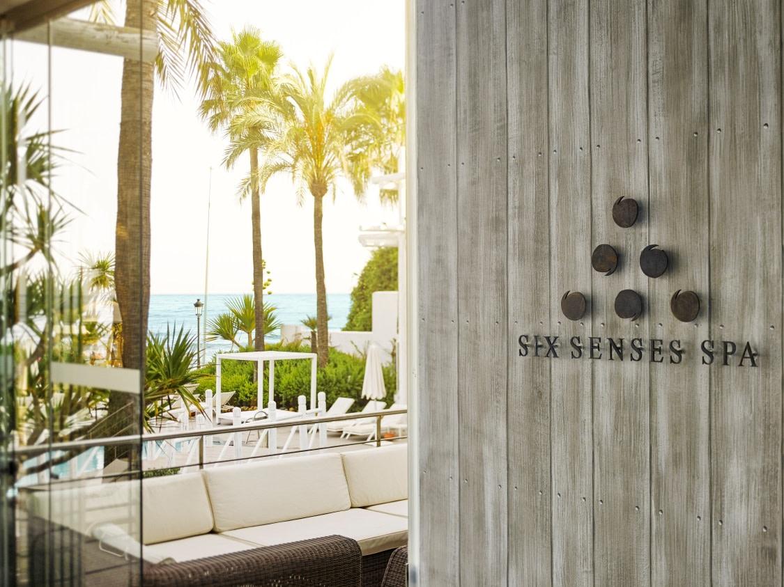 Eingang zum Six Senses Spa des Puente Romano Hotels