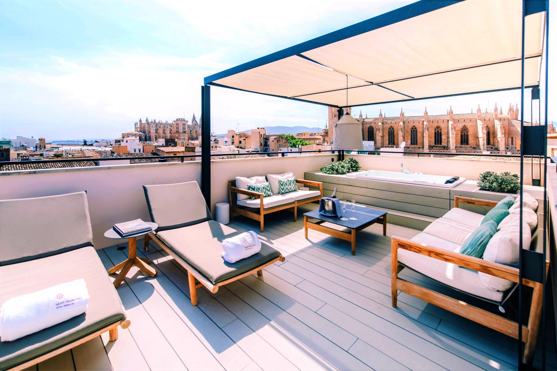 Ansicht der Dachterrasse des San Francesc Hotel