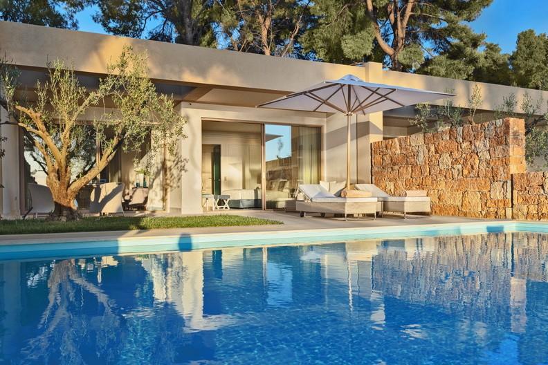 Garten von der One Bedroom Bungalow Suite mit privatem Pool