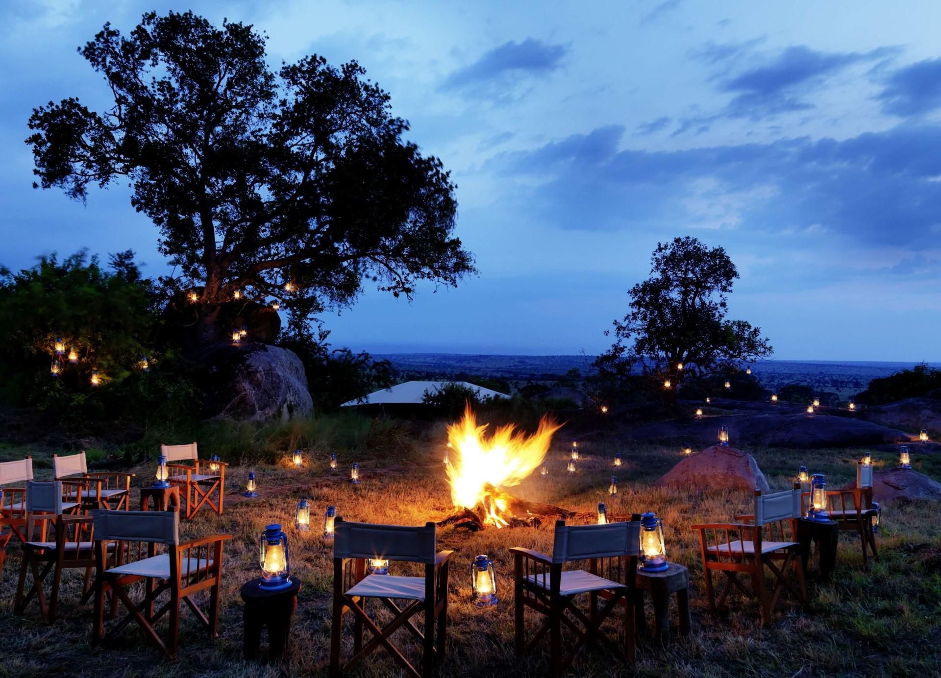 Lagerfeuer im Serengeti Bushtops