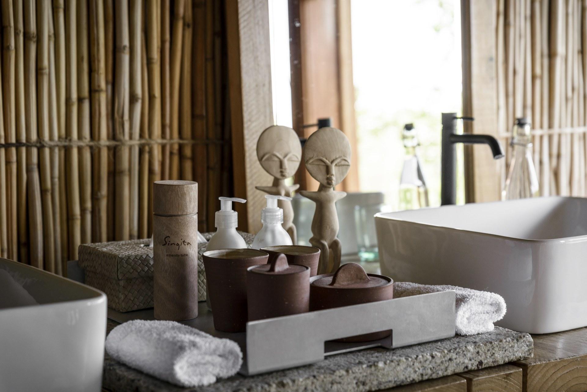 Details des Badezimmers der Singita Faru Faru Lodge