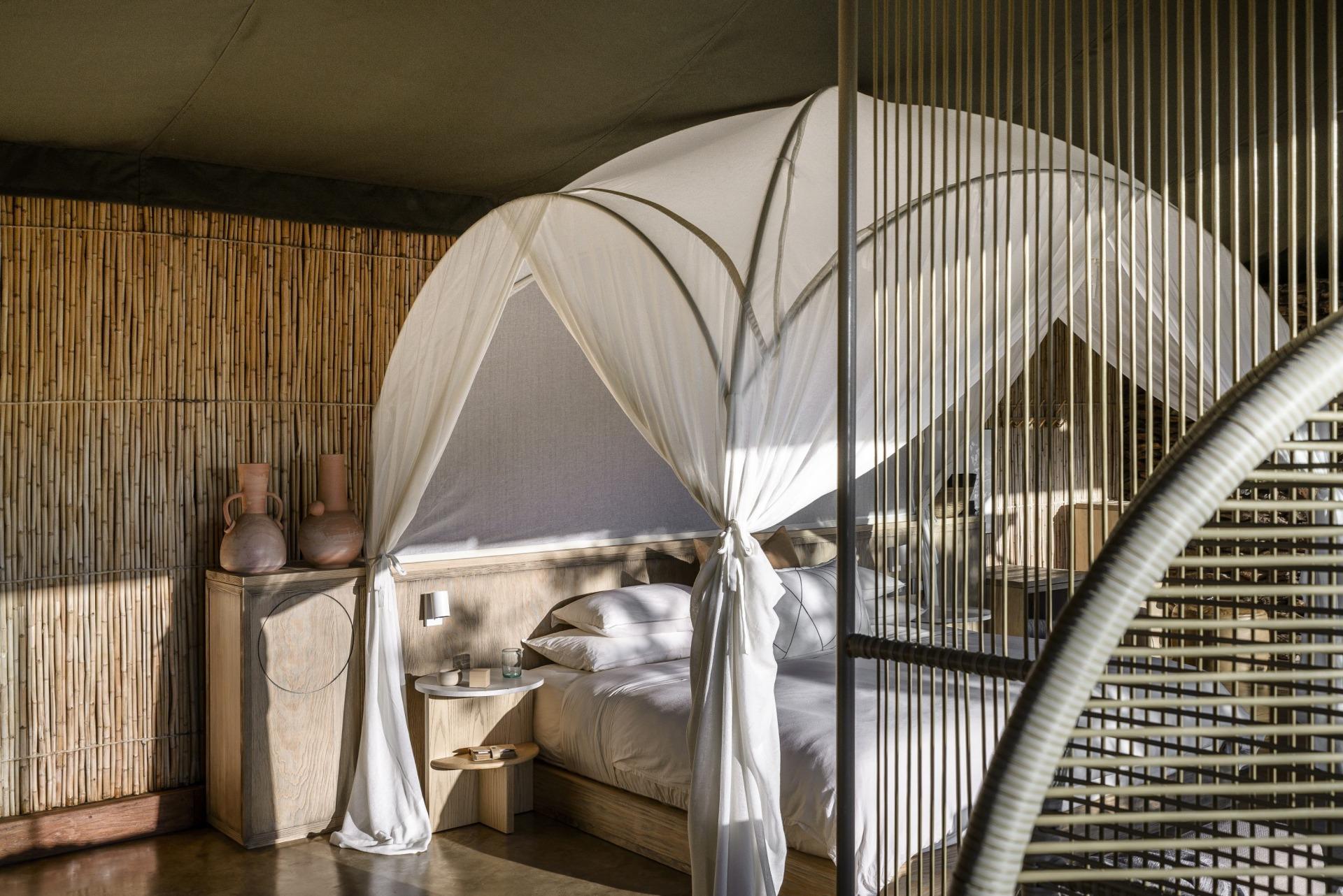 Innenansicht einer Suite in der Singita Faru Faru Lodge
