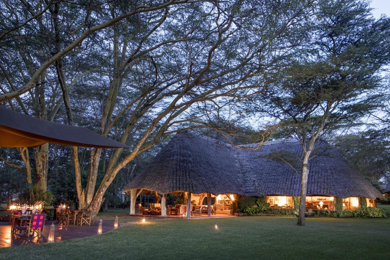 Aussenbereich der Sirikoi Lodge