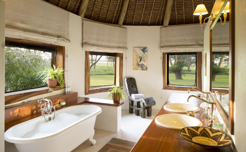 Bad im Gaestezimmer der Sirikoi Lodge