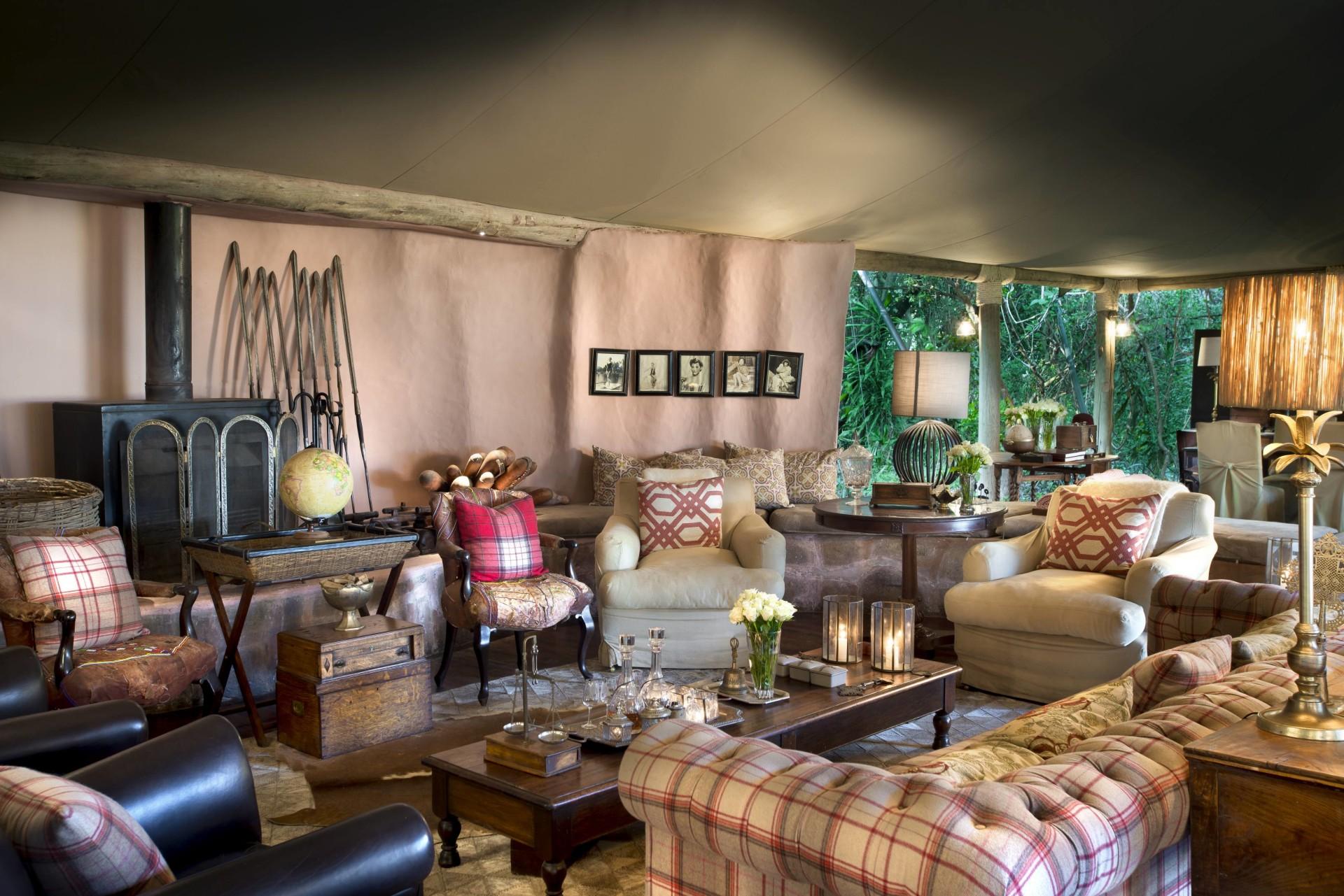 Loungebereich im andBeyond Bateleur Camp