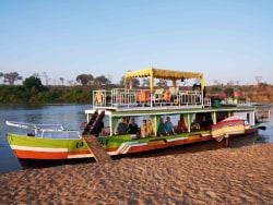 madagaskar_boot-schiff-tsiribihina-flussfahrt.jpg