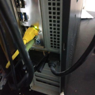 החלפת כרטיס מסך למחשב עם מארז קטן