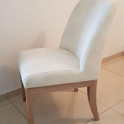 כיסא לאחר ריפוד