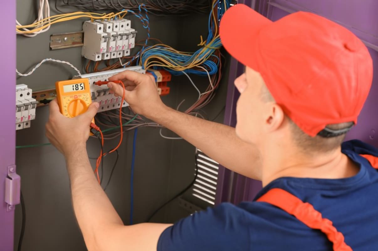 בדיקת לוח חשמל