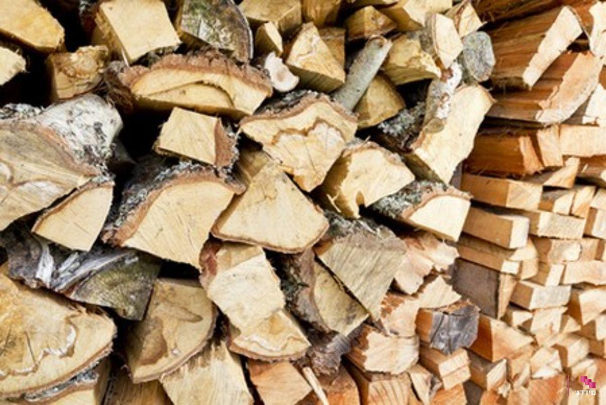 קמין עץ