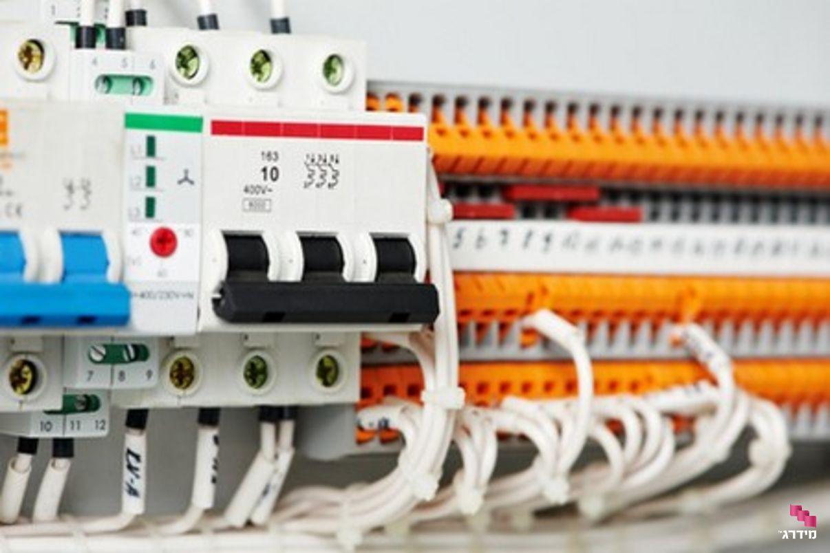 ביקורת של חברת החשמל אחרי מעבר לתלת פאזי