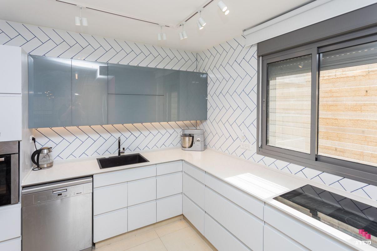 עיצוב דירת קבלן עיצוב מטבח