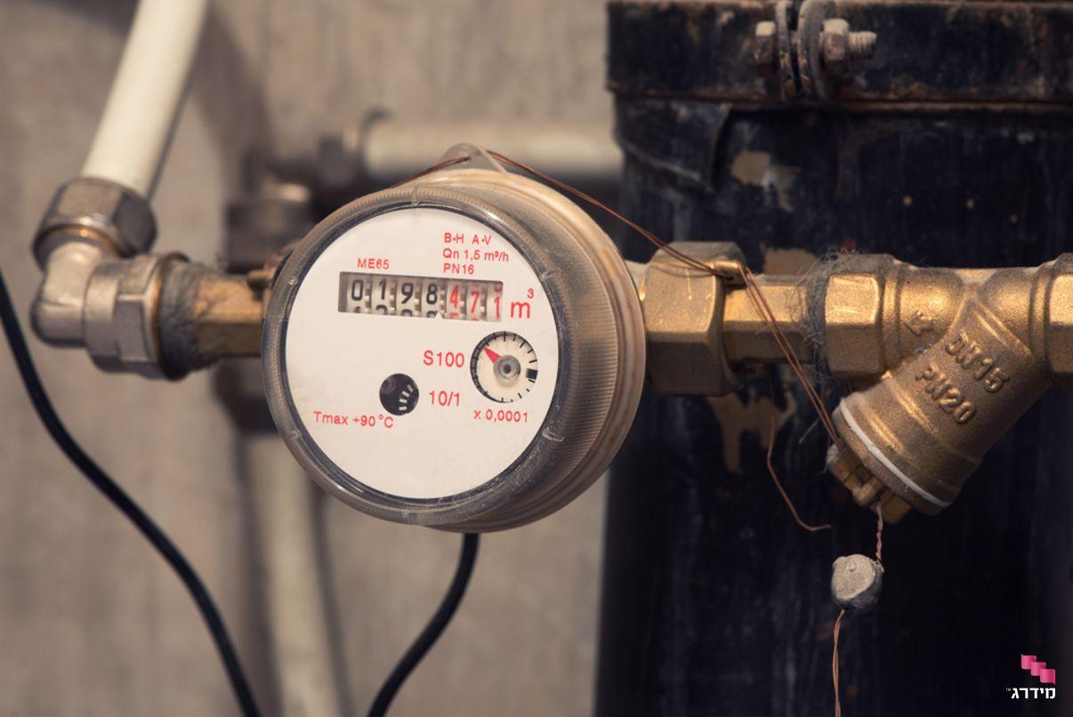 בדיקת לחץ - שעון מים