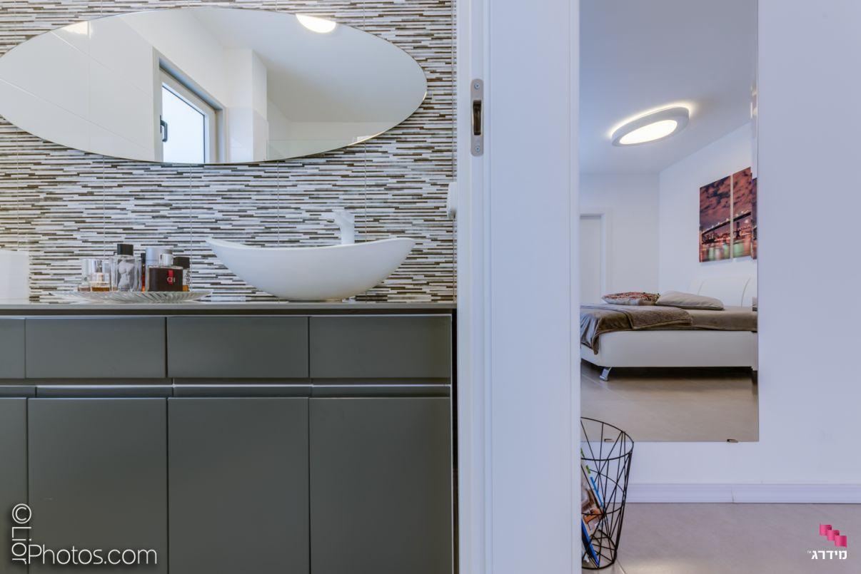 עיצוב דירת קבלן חדר שינה