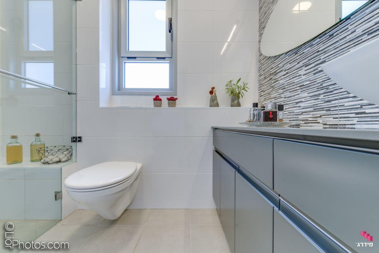 עיצוב מקלחת דירת קבלן