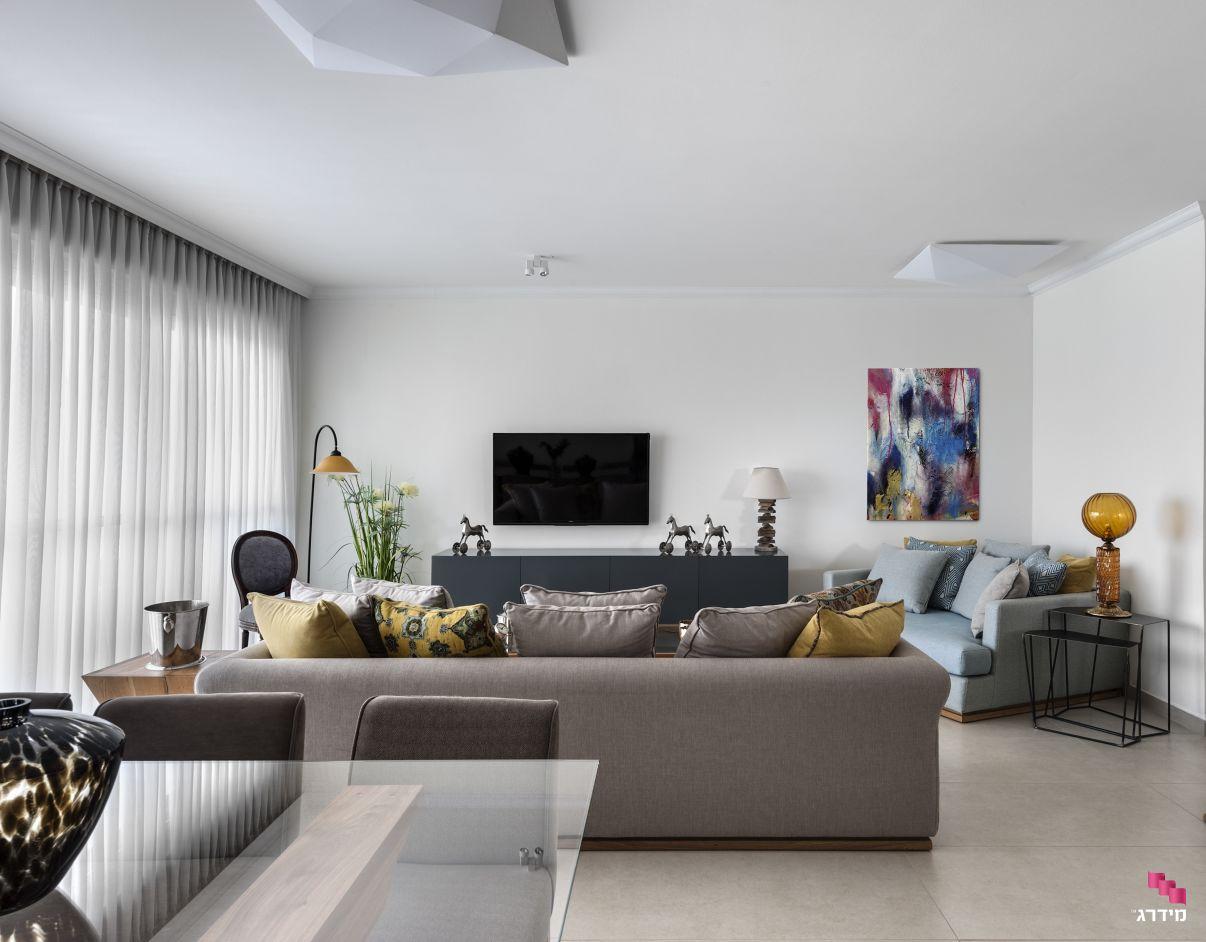 עיצוב סלון בדירת קבלן