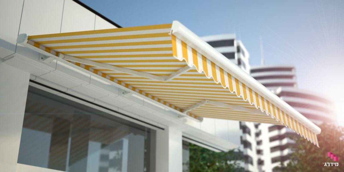 סוכך זרועות עם פסים צהובים | סוכך למרפסת