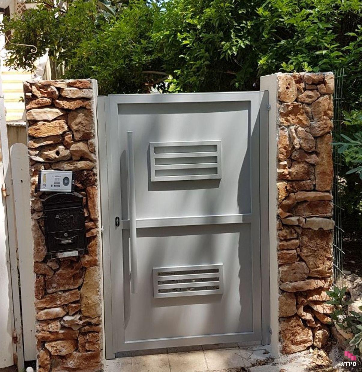 שער כניסה לבית אטום