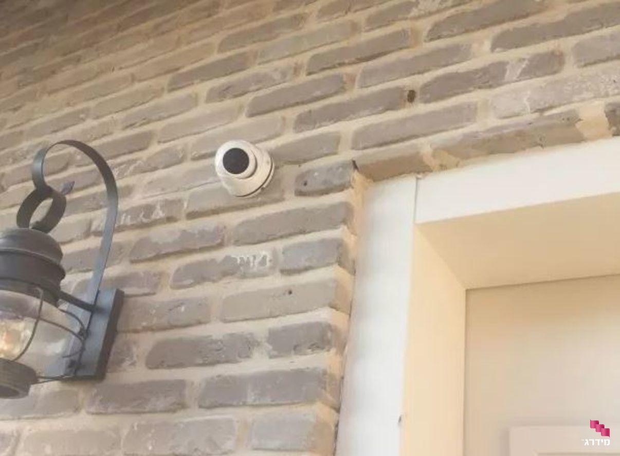 התקנת מצלמות אבטחה - מחיר | מצלמת אבטחה מעל דלת