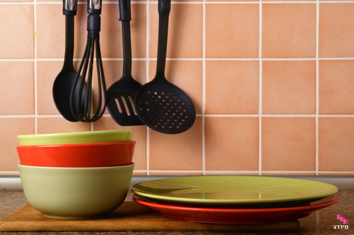 חיפוי קרמיקה צבעוני למטבח