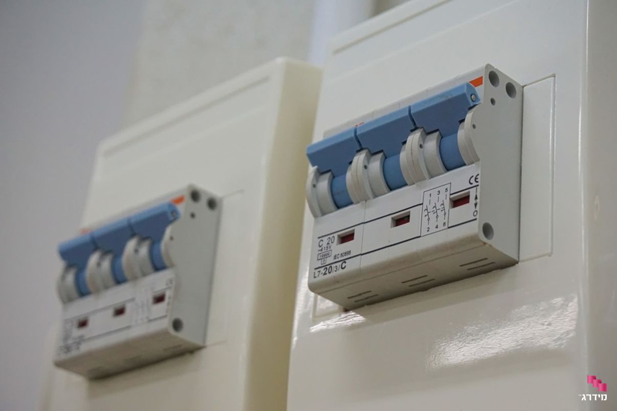בדיקת קרינה חשמלית