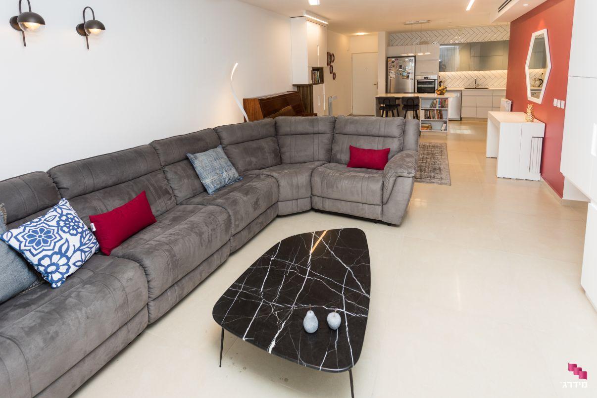 עיצוב סלון דירה חדשה מקבלן