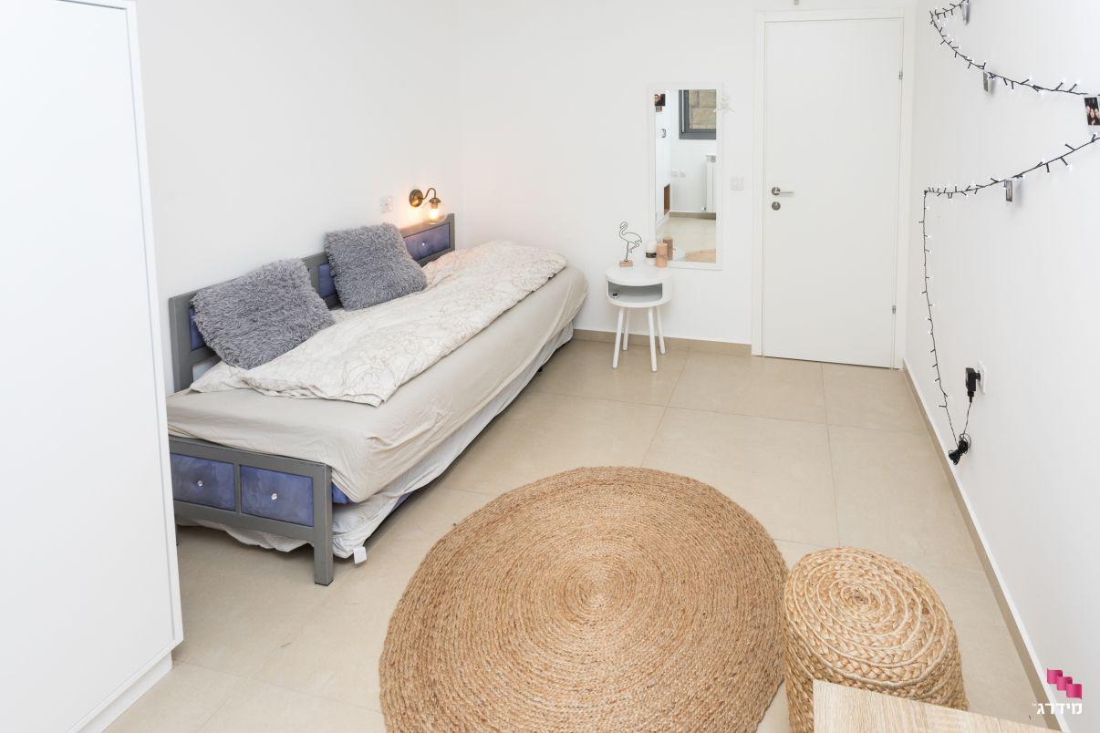עיצוב חדר מתבגרת דירת קבלן