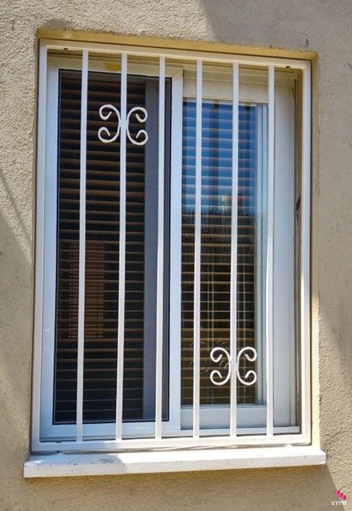 סורגים ישרים לחלון