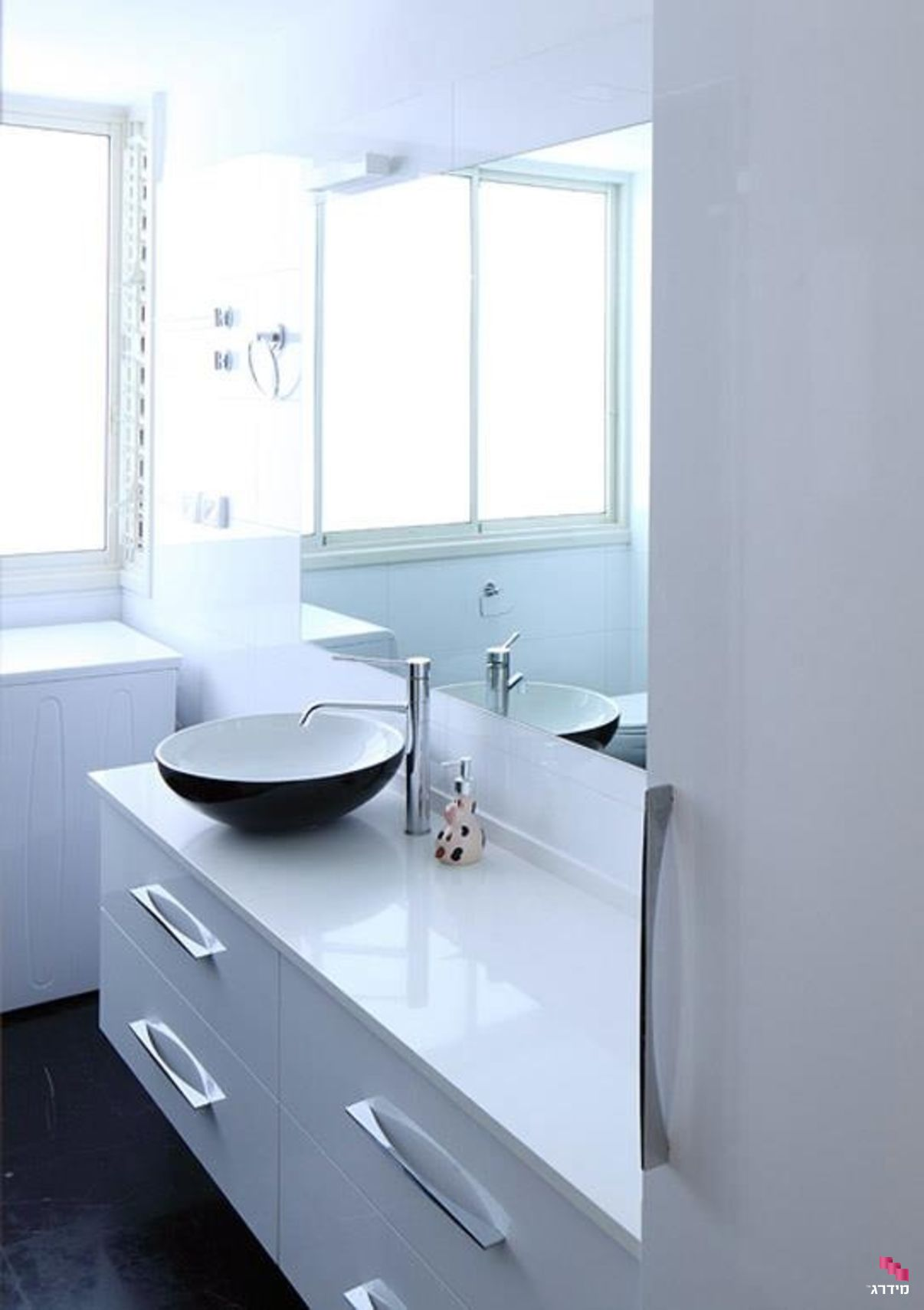 עיצוב דירה קטנה מקלחון
