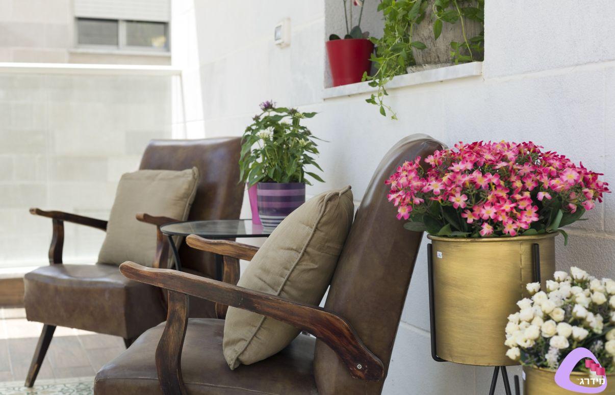 עיצוב דירות קטנות מרפסת