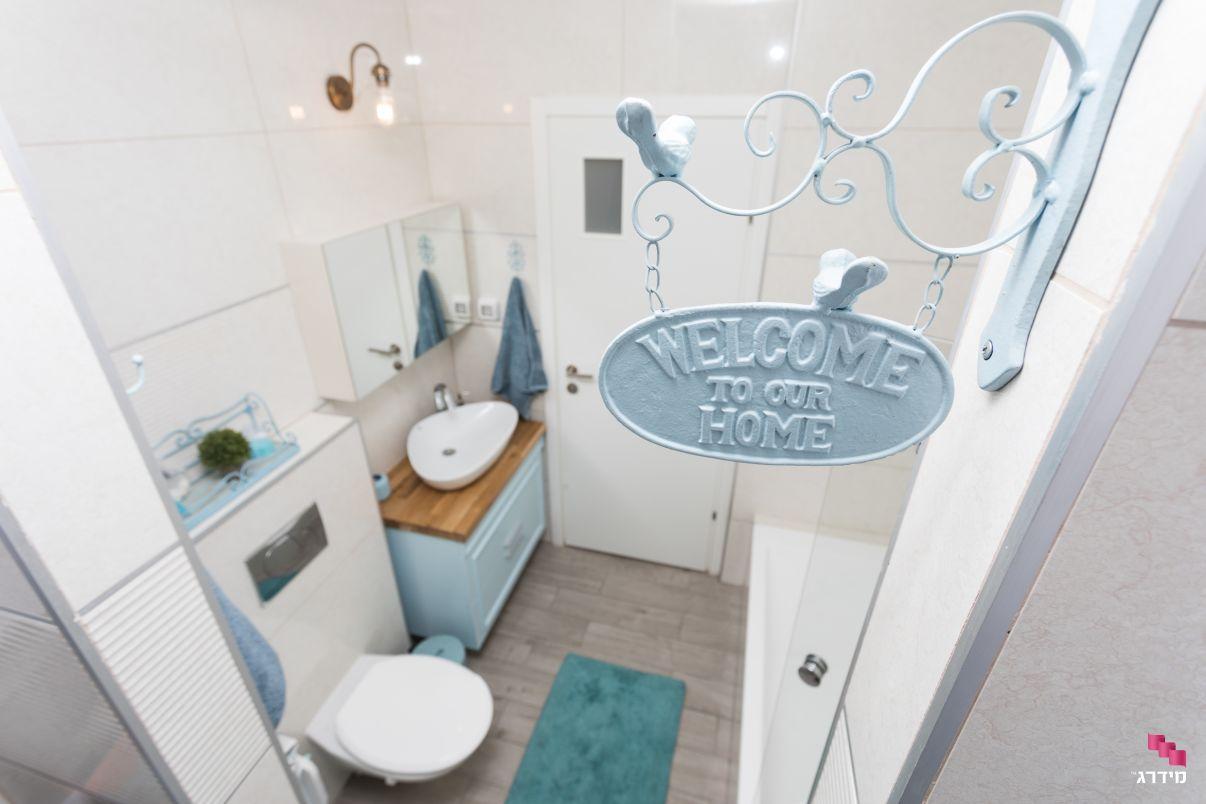 עיצוב חדר אמבטיה דירת קבלן
