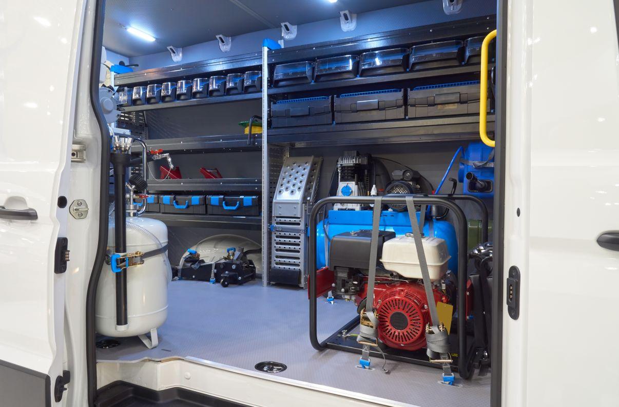 רכב 3.5 טון מזווד בציוד בעל מקצוע